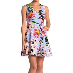 Vince Camuto V Neck Blue A Line Floral Dress sz 4